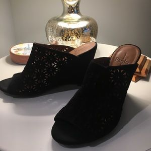 Linea Paolo black Wedge Sandal
